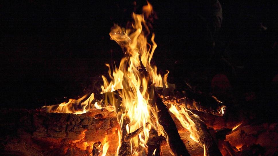 christmas-campfire-bonus