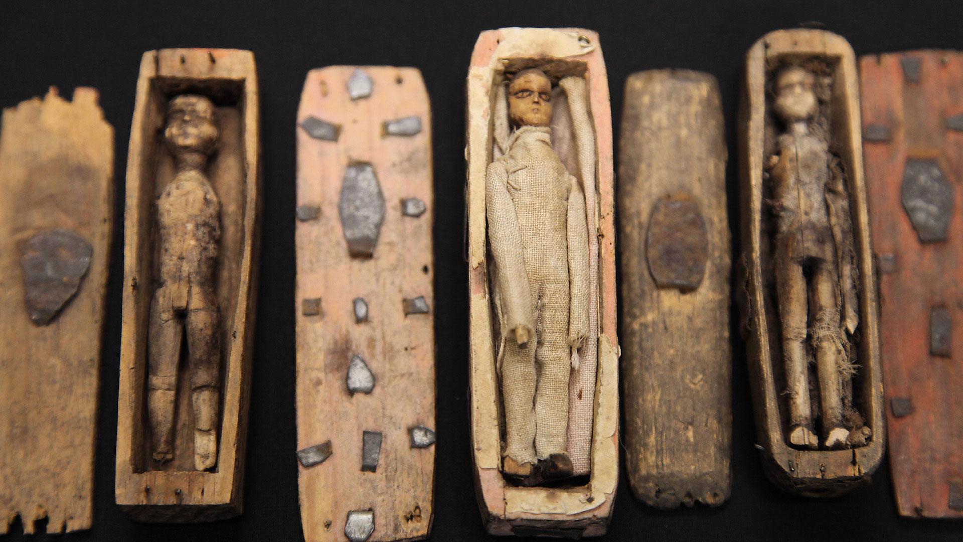 arthurs-seat-coffins